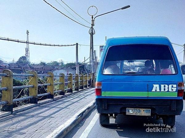 Mikrolet, angkutan umum di Malang