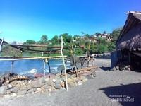 Desa Lamalera di bibir pantai