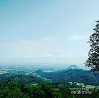 Pemandangan  aduhai dari Puncak Sempur