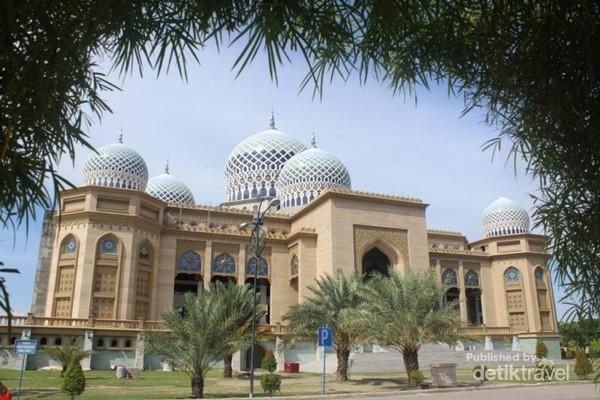 Megahnya Islamic Center Di Lhokseumawe