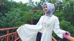 Gaya Selebgram Poppy Indrawati dengan Celana Kulot