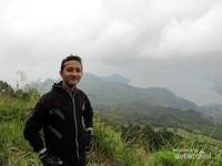 Saya di puncak Gunung Sipiso-Piso