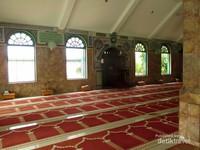 Ruangan dalam masjid