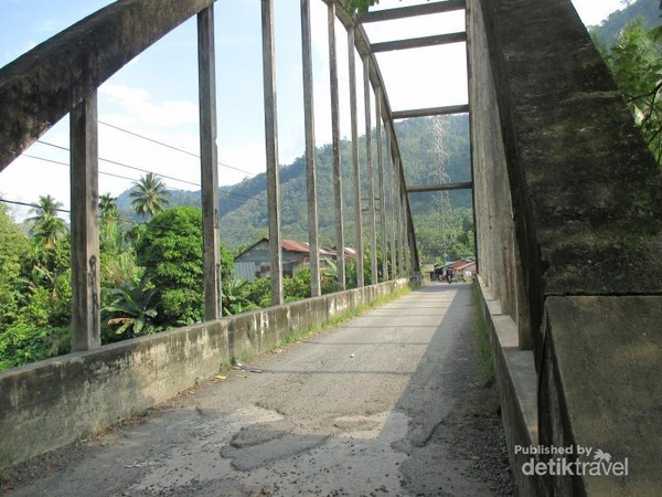 Jembatan Parhitean