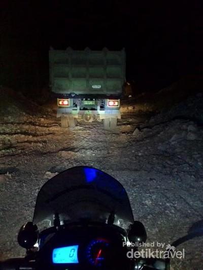 Jelajah Sulawesi Pakai Motor, Bisa!