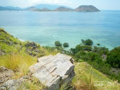 Duh Sayang, Si Cantik Pulau Kenawa Kini Penuh Coretan