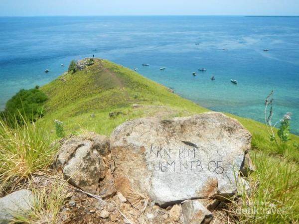 Sangat miris, keindahan Pulau Kenawa kini penuh coretan