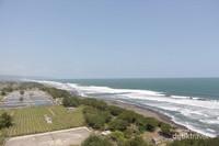 Pemandangan di puncak Mercusuar Samas