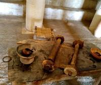 Peralatan di dalam Synagoge