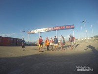 Di Pelabuhan Labuan Bajo