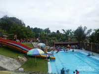 Selain wisata alam, di Baturaden juga ada wisata air