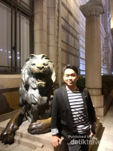 With the lion