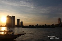 Sunset di Sungai Chao Phraya, dilihat dari Asiatique