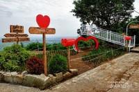 Jembatan Cinta untuk yang rindu suasana romantis