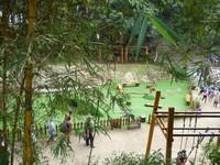 Area bermain untuk anak-anak