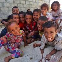 Anak-anak di pulau Alor