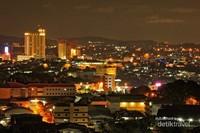 Indahnya suasana malam kota Batam