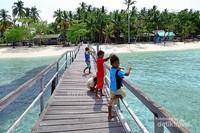 kegiatan anak-anak Pulau Popoongan setiap sore