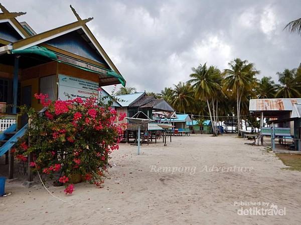 Perkampungan suku bugis mandar Pulau Popoongan