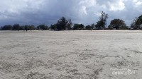 Pasir pantai yang maha luas.