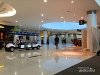 Bandara ini telah menyediakan shuttle bus bagi para penumpang
