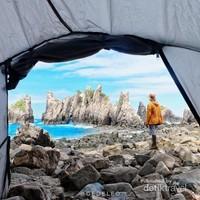 Kita juga dapat mendirikan tenda atau berkemah di sini