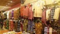 Batik Dayak Melayu di toko suvenir