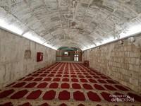 Lorong-lorong bawah tanah Masjdil Aqsa,  tempat Nabi Sulaiman mengubur semua ilmu sihir yang ada di muka bumi