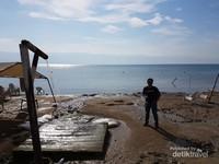 Laut Mati yang berada di perbatasan Israel dan Jordania
