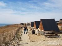 Vila-vila di pesisir laut mati