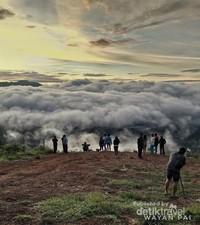 Sunrise negeri di atas awan, Lolai