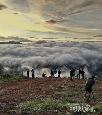 Inilah Negeri di Atas Awan Sulawesi