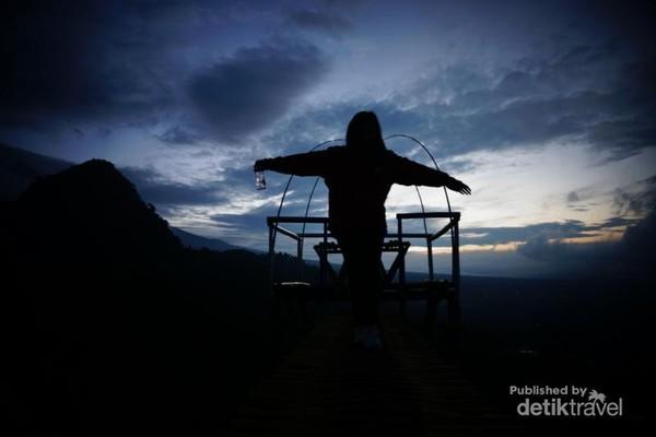 Spot melihat sunrise di Bukit Tranggulasih