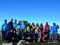 Puncak Trianggulasi Gunung Merbabu