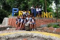 Desa Prai Ijing memiliki taman juga lho