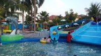 Area prosotan di kolam anak