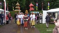 Kesenian adat Bali menjadi pembuka acara