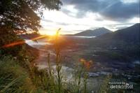 Sunrise Cantik Desa Pinggan