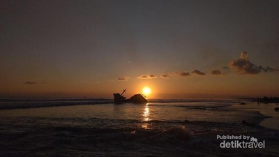Wisata Murah Tapi Asyik, ke Pantai Kedu Saja