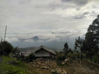 Pemandangan sekitar Curug Ciherang