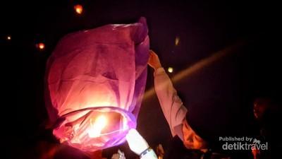 Mengenang Syahdu Lampion Terbang di Festival Budaya Dieng