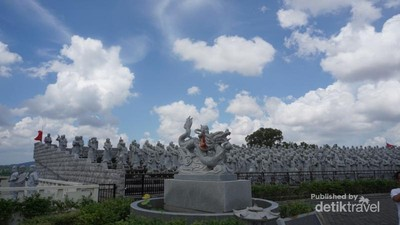 Wujud Vihara Patung Seribu di Bintan