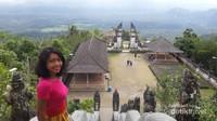 Pura Lempuyang merupakan Pura tertua di Bali.