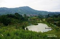 View Lembah Dewata dari ketinggian