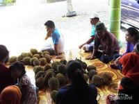 Saatnya bersantap durian