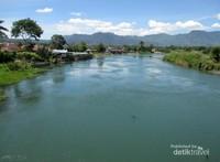Sungai Asahan merupakan sungai terbesar dan terpanjang di Sumatera Utara dengan panjang yang mencapai hingga 147 kilomemeter