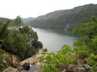 Sungai Asahan juga dibendung sebagai pusat pembangkit listrik tenaga air, salah satunya adalah Bendungan Sigura-Gura. Bendungan ini pun berubah menjadi sebuah danau buatan yang jadi destinasi wisata