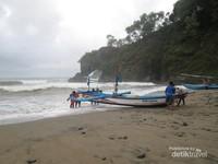 Pantai Pasir yang terkenal sebagai pusat kegiatan nelayannya