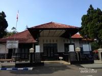 Tampak depan Gedung Linggarjati di Kota Kuningan, Jawa Barat