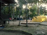 Suasana camping ground di TN Kutai